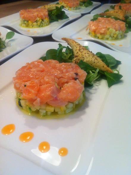 Table d'hôtes, entrée, Tartare au deux saumons à l'huile de homard l'escarboucle maison d'hotes à bligny sur ouche cote d'or bourgogne à proximité de Beaune