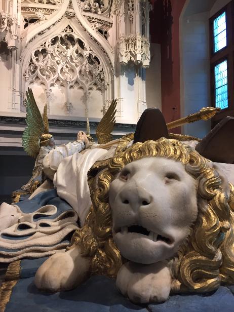 musée des beaux arts dijon tombeau philippe le hardi lion claus sluter bourgogne